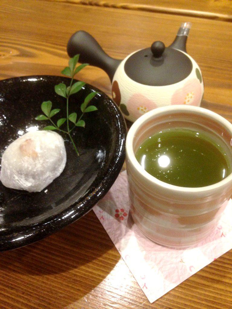 お煎茶とお菓子のセット
